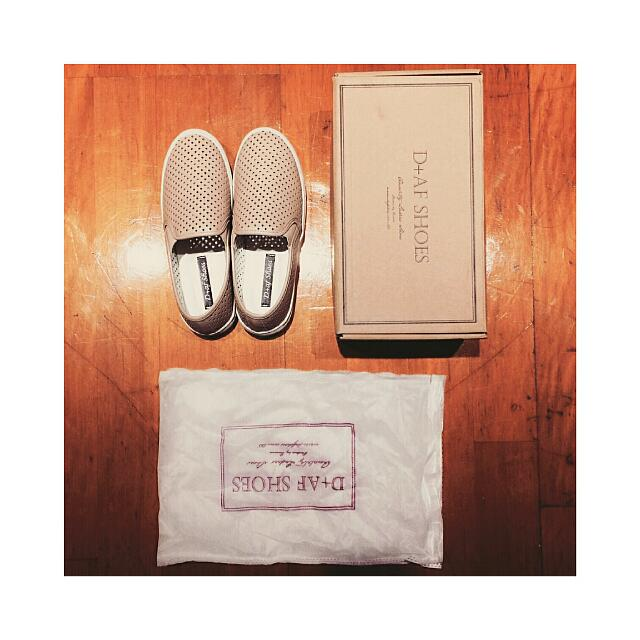 【全新含運】D+af 韓洞洞懶人鞋/杏 36