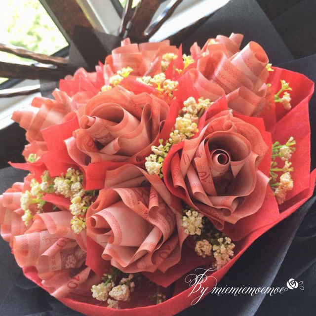 RM10 Money Rose Bouquet, Design & Craft on Carousell