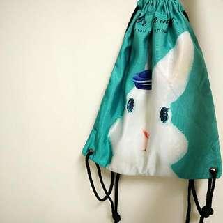 白兔縮口袋