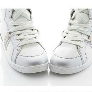 交叉綁帶內增高球鞋