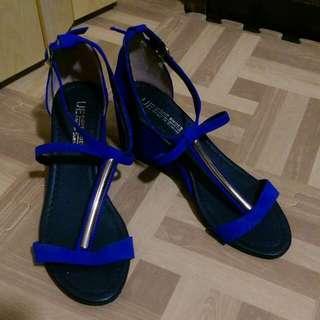 二手鞋,只穿1次,便宜賣