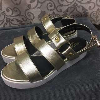 Air Space 金色厚底涼鞋