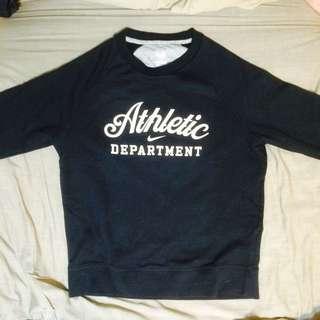 Nike大學T