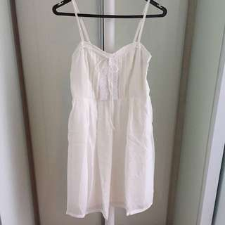 BNWT Agneselle White Spaghetti Lace Bib Front Dress