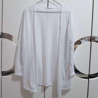 白色薄長版外套