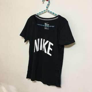 全新 包郵 Nike 正版 女生 黑短t