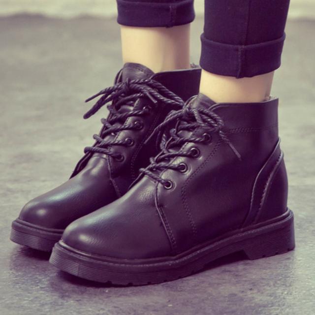 ✨39微瑕疵、38各一雙✨英倫學院風復古短靴