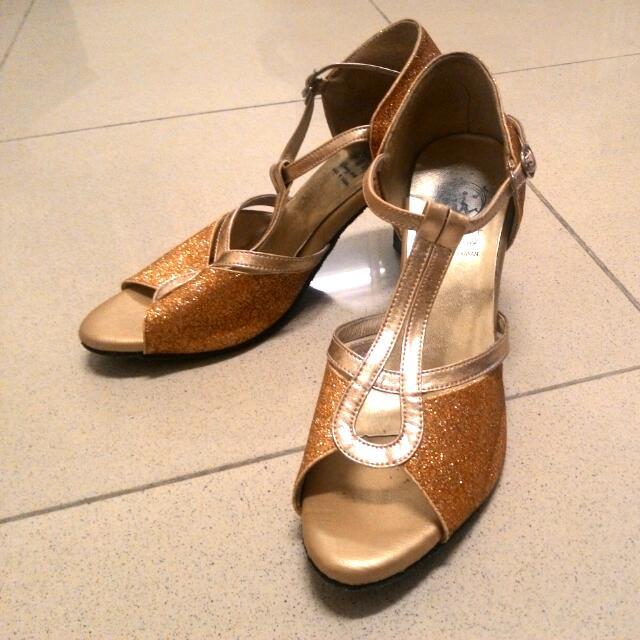 閃亮亮舞鞋