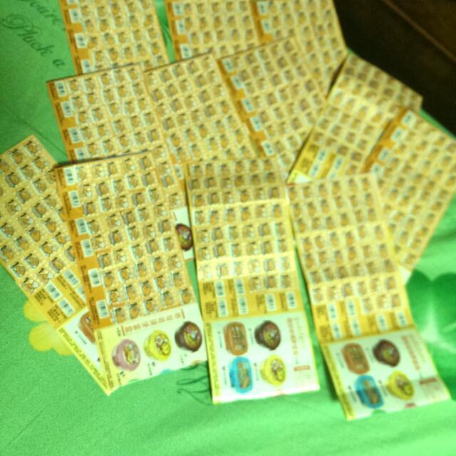 蛋黃哥點數 貼滿12張 500元可換6組保險盒