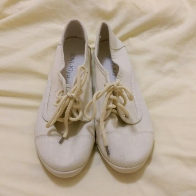 🐼 全新 🐼 休閒帆布鞋 - 米白色