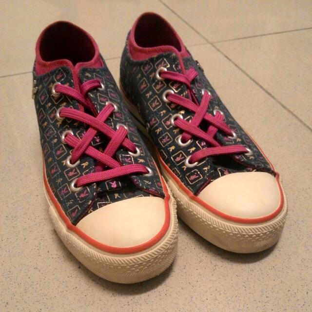 Playboy 帆布鞋