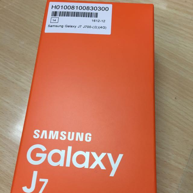 三星 Samsung J7 全新白色