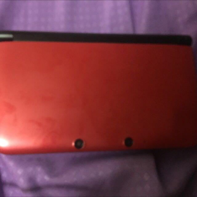 Nintendo 3DS XL + Pokemon Y Game