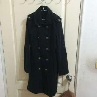 含運全新 黑色大衣 硬挺布料
