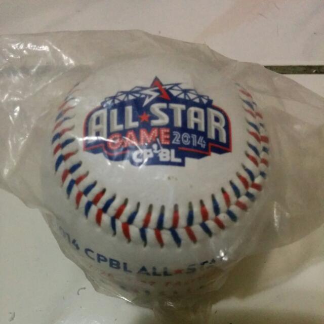 2014中職明星賽紀念球兩顆一起賣