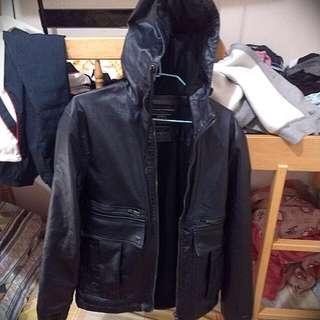 Zara皮外套