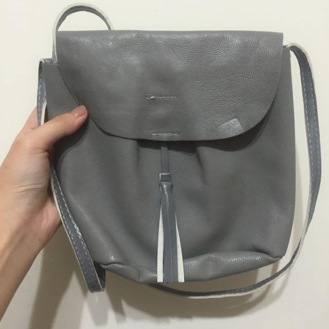 含運!全新*灰色側背小包