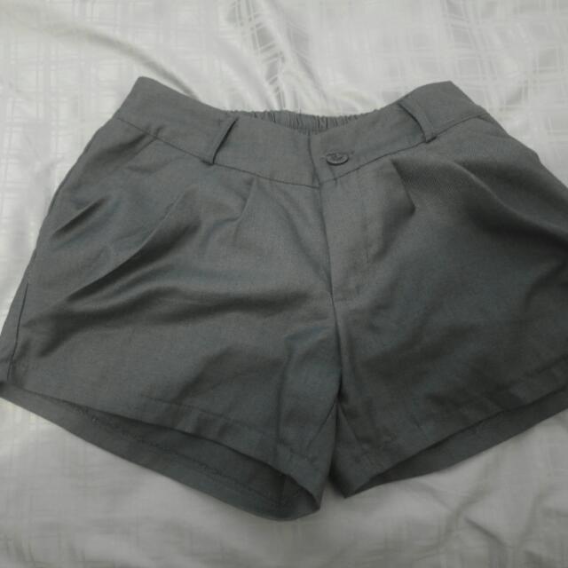 西裝質料灰色澎澎短褲