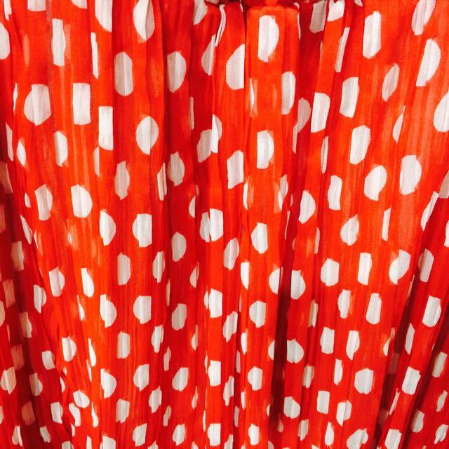 紅白點點紗裙