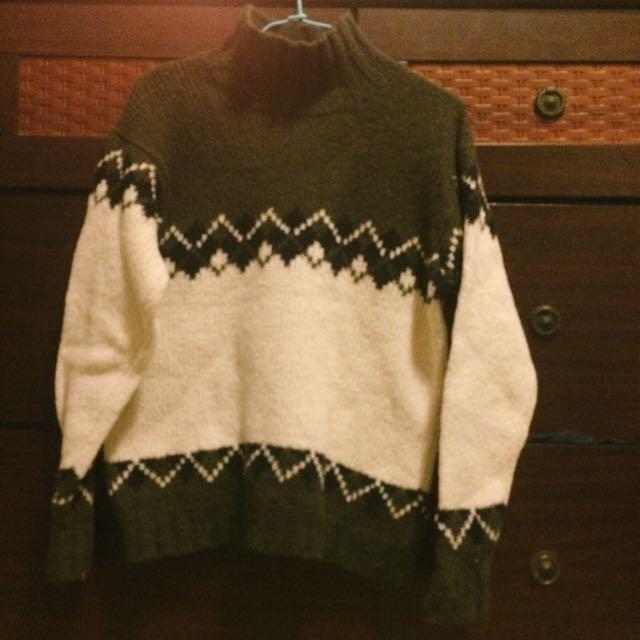 🍂Bossini 綠白高領毛衣