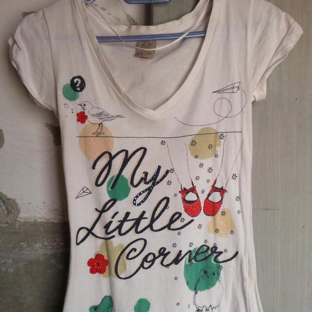 Pull & Bear T Shirt In Size XS