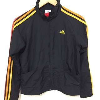 Adidas 外套👇 暫售