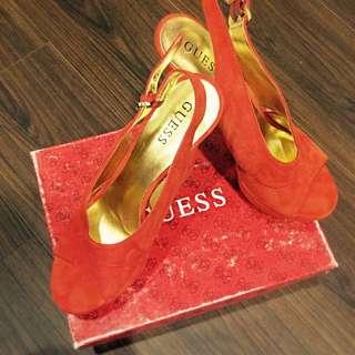 GUESS高跟鞋
