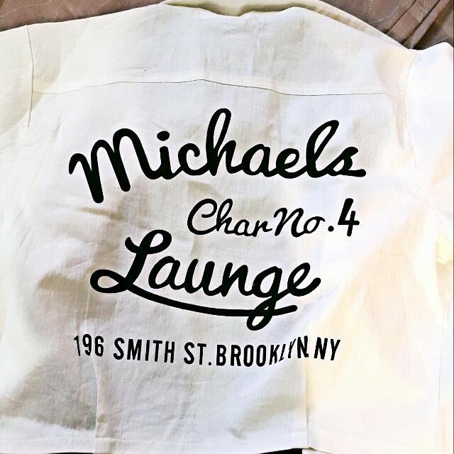 短版字母白色外套