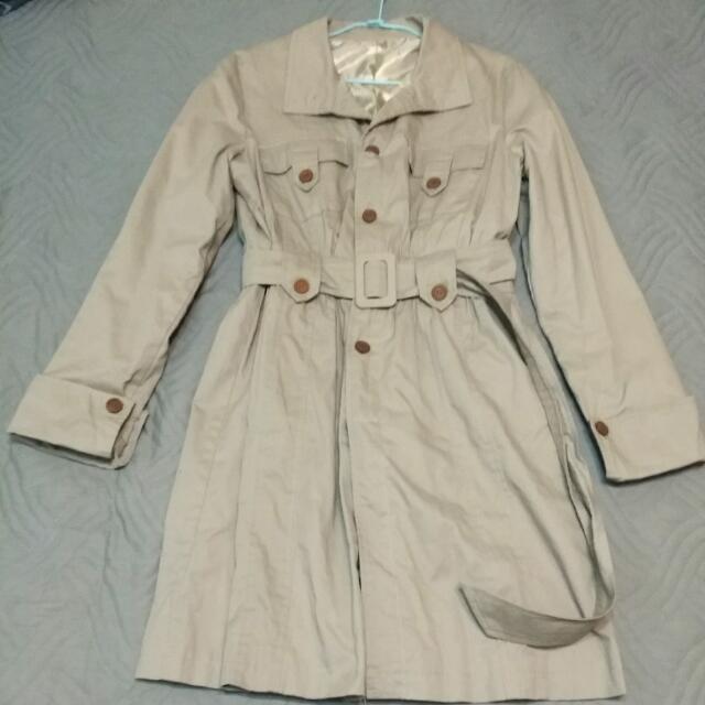 女-風衣外套