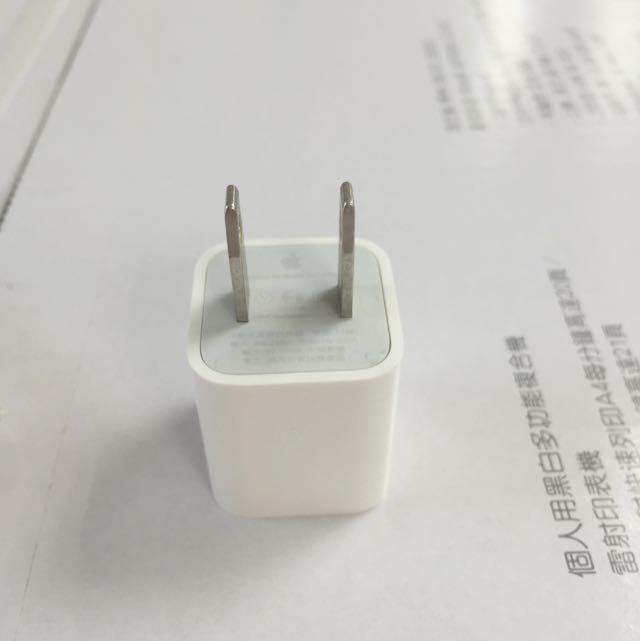 Apple 5W iPhone 充電器