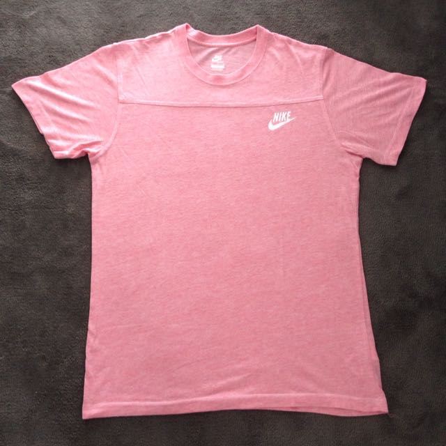 Large Nike Top. Peach Colour For Men