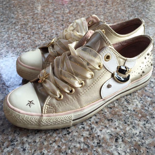 playboy 金色帆布鞋 24cm (二手)