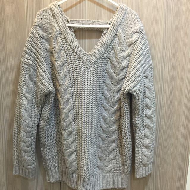 V領麻花厚針織毛衣