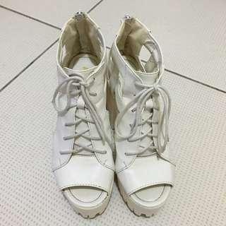 ✌️鏤空厚底鞋✌