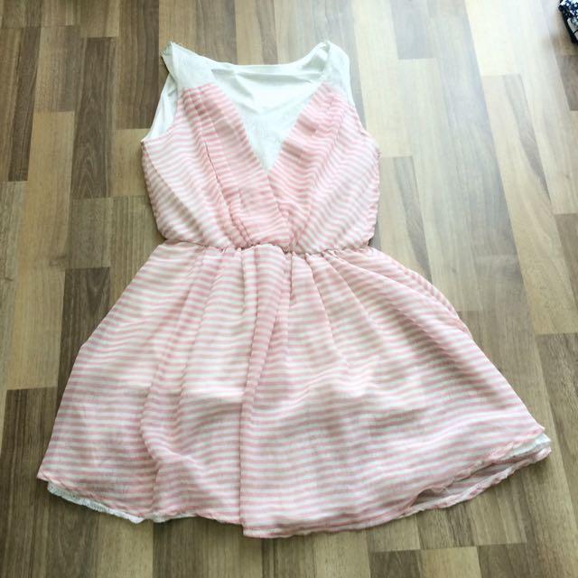 (全新)粉紅橫條蕾絲裙❤️