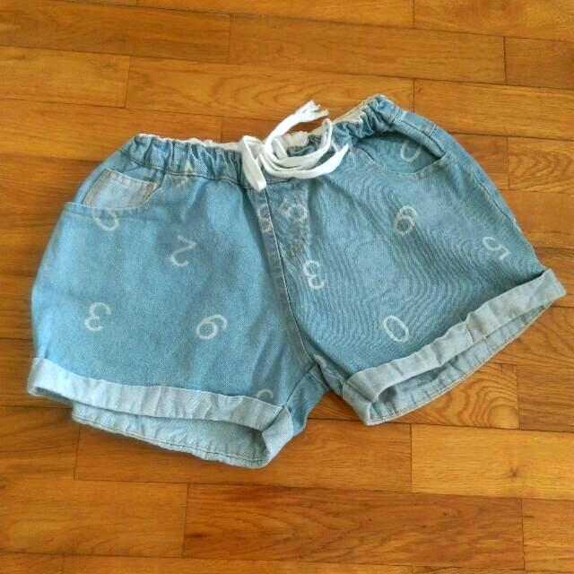數字牛仔短褲