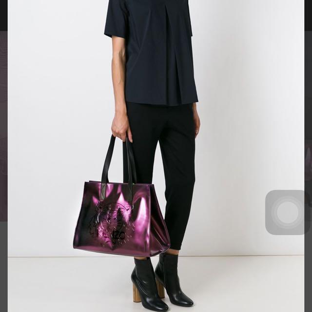 734cde7062 Kenzo Tiger Metallic Tote Bag, Luxury on Carousell