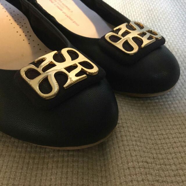 Spur 韓國/黑/娃娃/平底/軟/好穿/經典 鞋