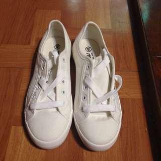 (全新)小白鞋