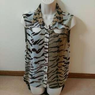 MinkPink Leopard print top