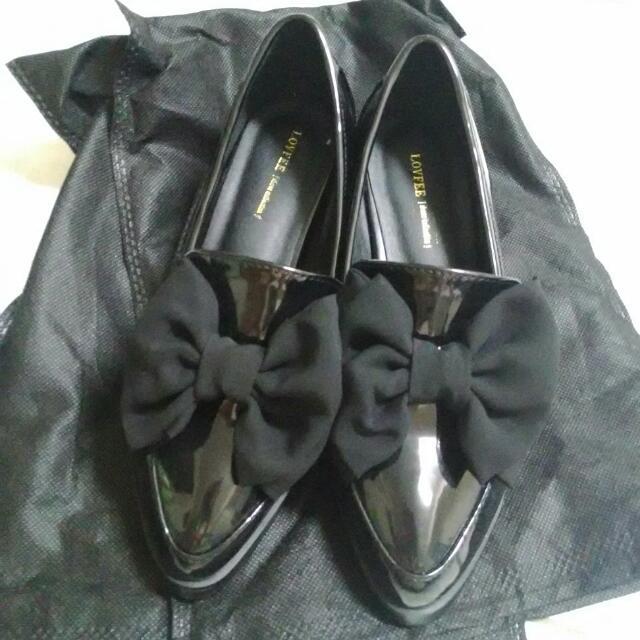 ((降))Lovfee黑色漆皮蝴蝶娃娃鞋