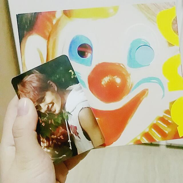 SHINEE VIEW ALBUM WITH ONEW PHOTOCARD, Entertainment, K-Wave