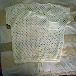 白色洞洞棉質上衣