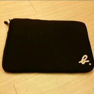 agnes.b 筆電保護包 保護套 蘋果 apple mac ipad 金屬拉鍊  黑色