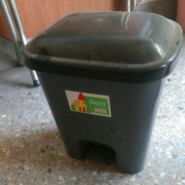 【二手】踩式垃圾筒