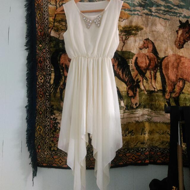 白色雪紡短洋裝