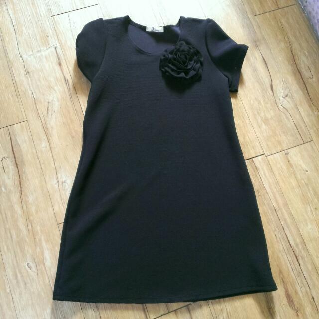 黑色大花洋裝