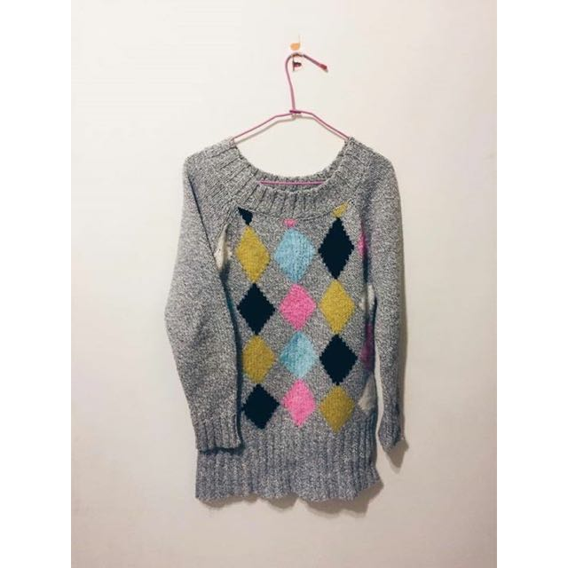 灰色彩色菱格針織毛衣