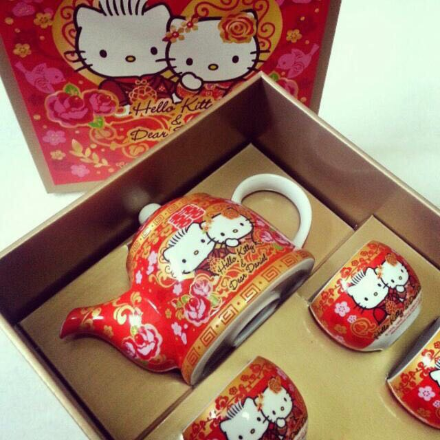 Hello Kitty Traditional Chinese Wedding Ceremony Tea Set B With