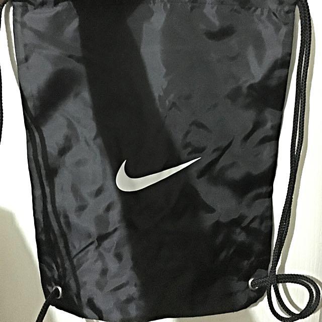 NIKE 黑色 基本款 束口袋 小背包
